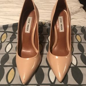 Steve Madden nude pumps (used) 7 .5